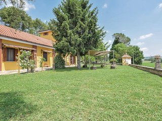 Beautiful home in Alvignano CE w/ WiFi and 4 Bedrooms