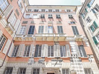 Amazing home in Genova (GE) w/ WiFi and 3 Bedrooms