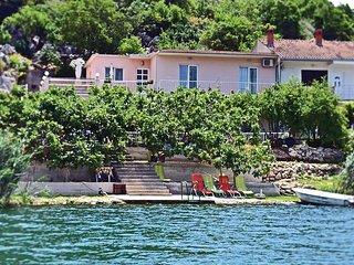 Nice home in Bacinska jezera w/ WiFi and 3 Bedrooms