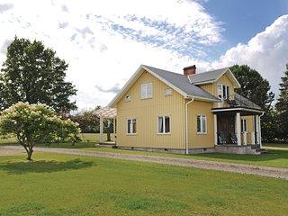 Beautiful home in Västra Ämtervik w/ 3 Bedrooms (S45705)