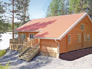 Beautiful home in Årjäng w/ WiFi and 4 Bedrooms