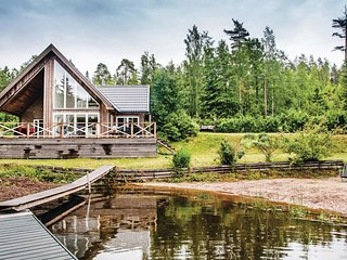 Nice home in Lingarö w/ Sauna and 2 Bedrooms