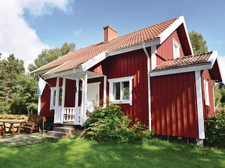 Awesome home in Ljung w/ Sauna and 4 Bedrooms