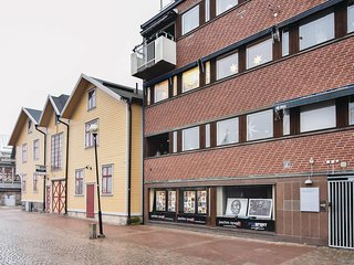 Awesome home in Trollhättan w/ WiFi and 2 Bedrooms
