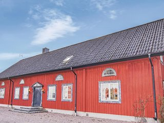 Amazing home in Tidaholm w/ Sauna, WiFi and 5 Bedrooms