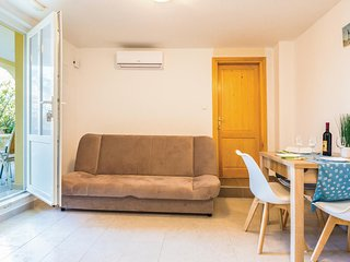 Nice home in Ploce w/ WiFi and 1 Bedrooms
