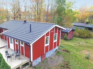Awesome home in Trollhättan w/ WiFi and 2 Bedrooms (S50241)