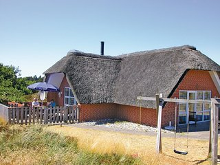 Amazing home in Rømø w/ Sauna, WiFi and 4 Bedrooms (R10293)
