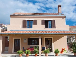 Beautiful home in Cavtat w/ WiFi and 3 Bedrooms