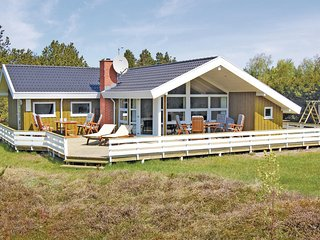 Stunning home in Rømø w/ Sauna, WiFi and 3 Bedrooms (R10357)