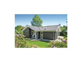 Awesome home in Gilleleje w/ Sauna, WiFi and 3 Bedrooms