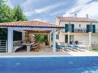 Amazing home in Vitaljina w/ WiFi and 4 Bedrooms