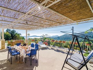 Beautiful home in Doli w/ WiFi and 2 Bedrooms