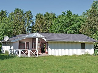 Awesome home in Vejby w/ Sauna, WiFi and 3 Bedrooms