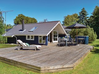 Amazing home in Gilleleje w/ WiFi and 3 Bedrooms (G4516)