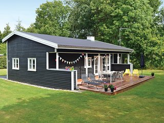 Awesome home in Gilleleje w/ WiFi and 3 Bedrooms