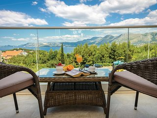 Amazing home in Cavtat w/ WiFi and 1 Bedrooms