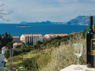 Beautiful home in Cavtat w/ WiFi and 2 Bedrooms