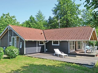 Stunning home in Dronningmølle w/ Sauna, WiFi and 4 Bedrooms (G4493)