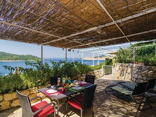 Nice home in Dubrovnik w/ WiFi and 1 Bedrooms