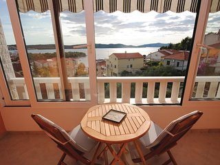 Awesome home in Trogir w/ WiFi and 4 Bedrooms