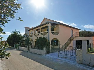 Amazing home in Okrug Gornji w/ WiFi and 4 Bedrooms