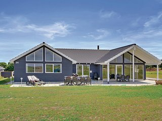 Beautiful home in Bogense w/ Sauna, WiFi and 7 Bedrooms