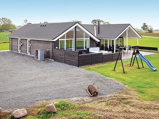 Awesome home in Bogense w/ Sauna, WiFi and 5 Bedrooms (G51322)