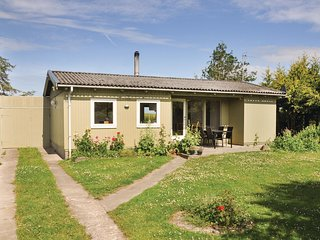 Awesome home in Bogense w/ 3 Bedrooms