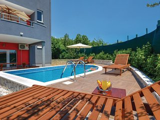 Nice home in Kastel Stari w/ WiFi and 5 Bedrooms