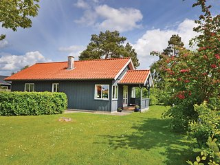 Awesome home in Middelfart w/ WiFi and 3 Bedrooms (G51804)