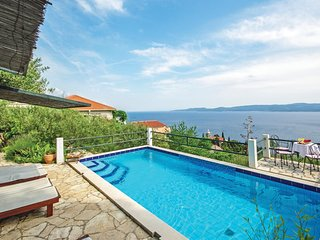 Amazing home in Mimice w/ WiFi and 4 Bedrooms