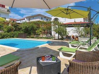 Nice home in Kastel Stari w/ WiFi and 2 Bedrooms (CDT205)