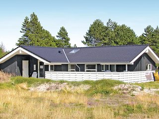 Stunning home in Rømø w/ Sauna, WiFi and 4 Bedrooms (R10398)
