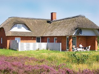 Beautiful home in Rømø w/ Sauna, WiFi and 4 Bedrooms (R10612)