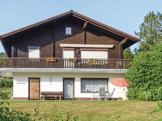 Beautiful home in Arrach OT Kummersdorf w/ 2 Bedrooms