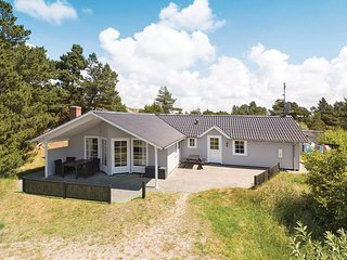 Awesome home in Rømø w/ Sauna, WiFi and 4 Bedrooms (R10655)