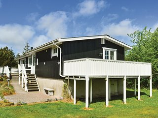 Nice home in Rømø w/ 2 Bedrooms (R10533)