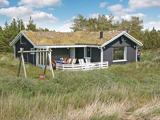 Stunning home in Rømø w/ Sauna, WiFi and 3 Bedrooms (R10613)