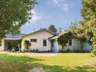 Nice home in Rømø w/ Sauna, WiFi and 4 Bedrooms (R10645)