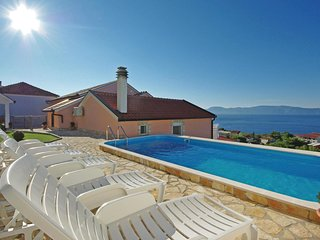 Awesome home in Podaca w/ WiFi, Outdoor swimming pool and 1 Bedrooms