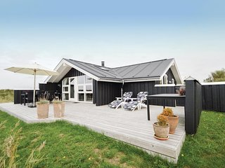 Nice home in Rømø w/ Sauna, WiFi and 3 Bedrooms (R10759)