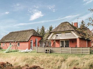 Beautiful home in Rømø w/ Sauna, WiFi and 4 Bedrooms (R10796)