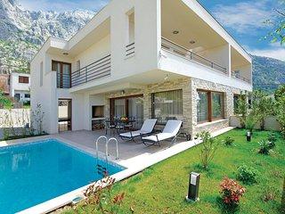 Beautiful home in Makarska w/ WiFi and 3 Bedrooms