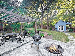 Beautiful South Austin Home w/ Patio & Fire Ring - Near Zilker Park, Downtown