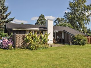 Awesome home in Frørup w/ 2 Bedrooms (G53533)