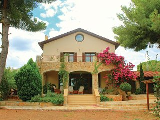 Stunning home in Nea Makri Attiki w/ WiFi and 4 Bedrooms (GAT161)