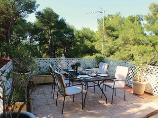 Beautiful home in Villa Attikis w/ WiFi and 2 Bedrooms (GAT155)