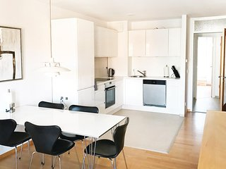 Awesome home in Berlin w/ WiFi and 2 Bedrooms (DBE144)