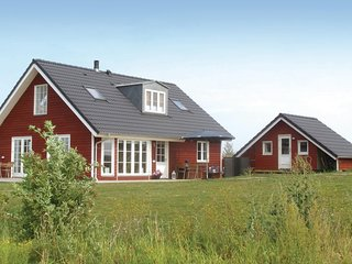 Stunning home in Frørup w/ Sauna, WiFi and 3 Bedrooms (G53507)